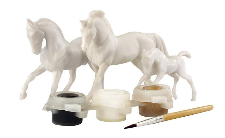 breyer-horse-family-painting-kit.jpg