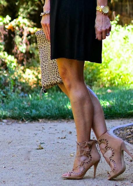 lace+up+5+(theparlorgirl.blogspot).jpg