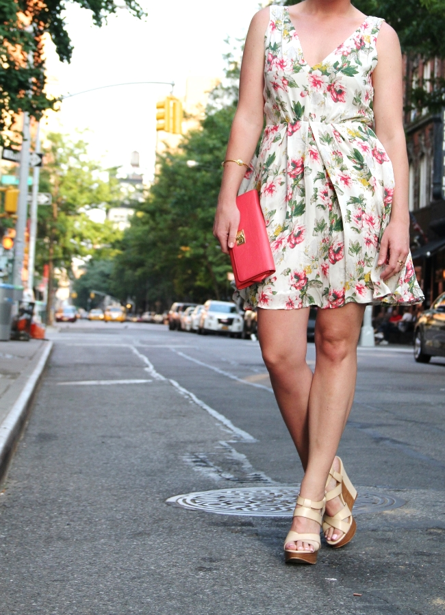 the casual classic. joie floral dress