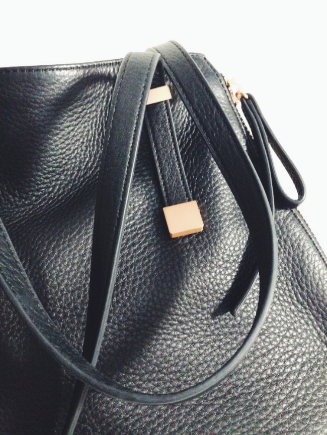 The Casual Classic blog: Joie Edie Tote