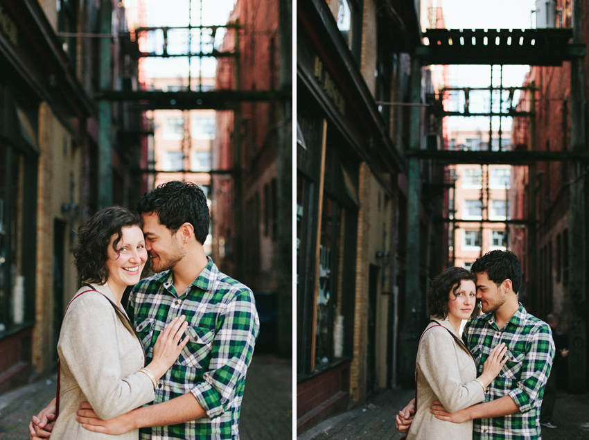 Vancouver-Gastown-Engagement-Photographer-004.jpg