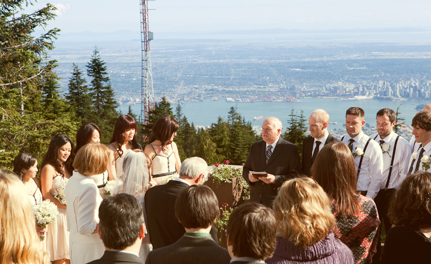 Grouse_Mountain_Wedding_Photographer_TD_040.jpg