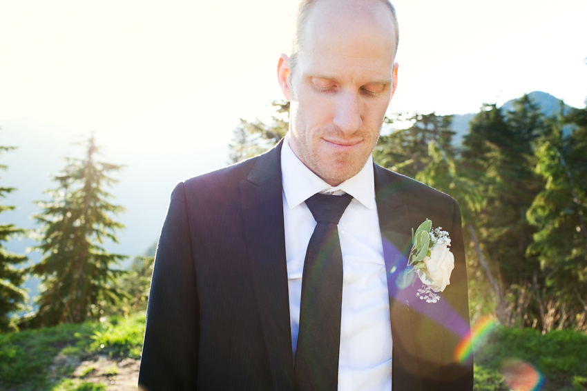Grouse_Mountain_Wedding_Photographer_TD_065.jpg