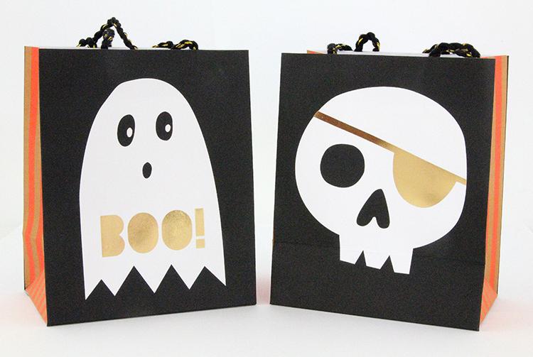 Boo Halloween party bag