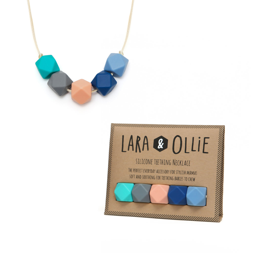 Lara & Ollie Is offering a free bangle for the first 50 necklace orders received on Black Friday. Enter the code BLACKFRIDAY at checkout. *Terms: One bangle per order placed. Does not apply to Lara & Ollie X Parent Apparel gift set*
