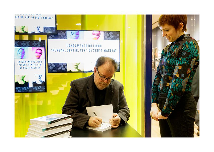 signing1.jpg