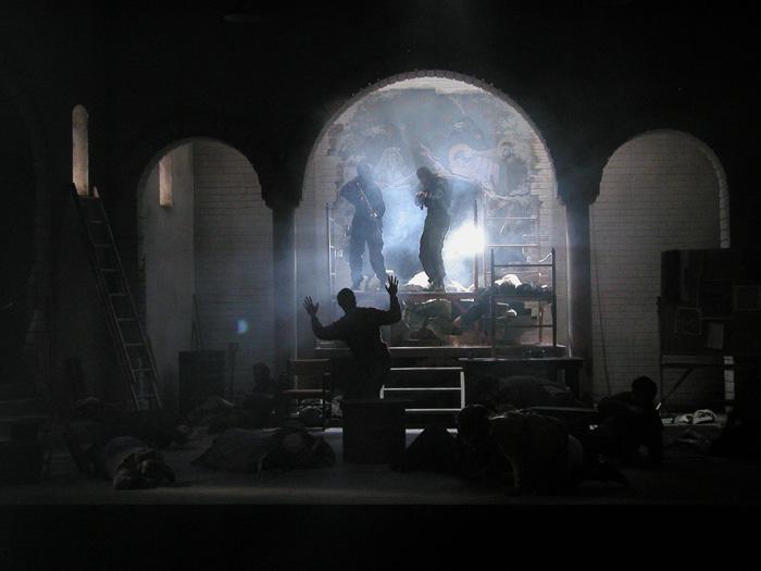 Commandos storm through the fresco