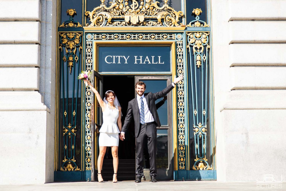 2015.4.1 Professional Photographer San Francisco City Hall Wedding-15.jpg