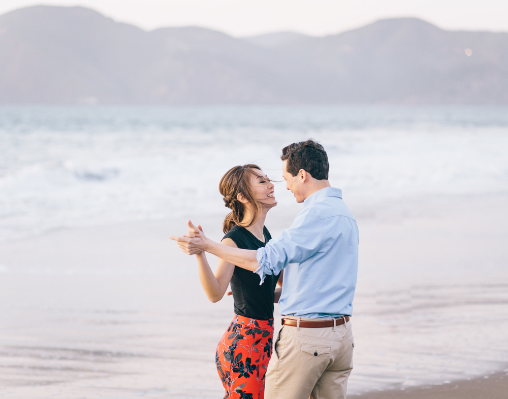 Engagement-Wedding-Photographer-San-Francisco-Engagement-session-Baker-Beach-Palace-of-Fine-Arts-and-Legion-of-Honor-byJBJ-Pictures-16.jpg
