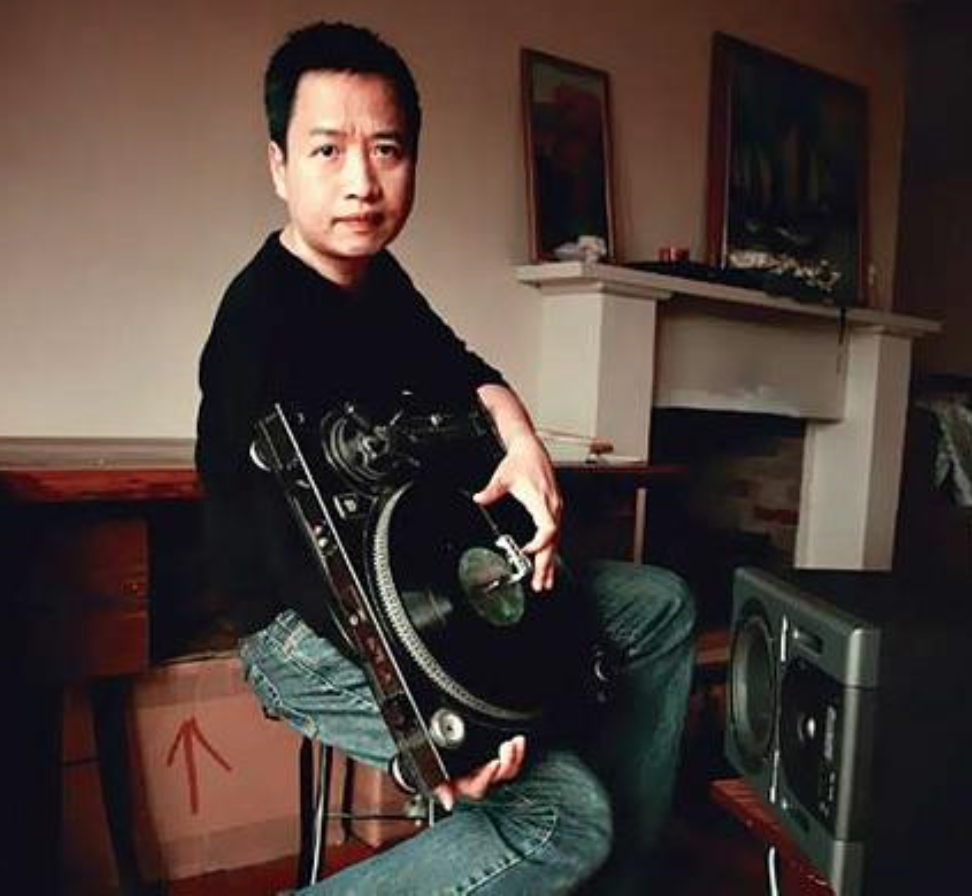 Martin Ng, turntables, electronics