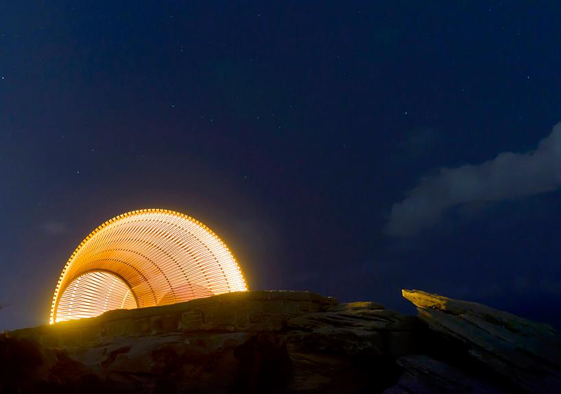 nicole-larkin-dynamics-in-impermanence-sculpture-by-the-sea-designboom-09.jpg