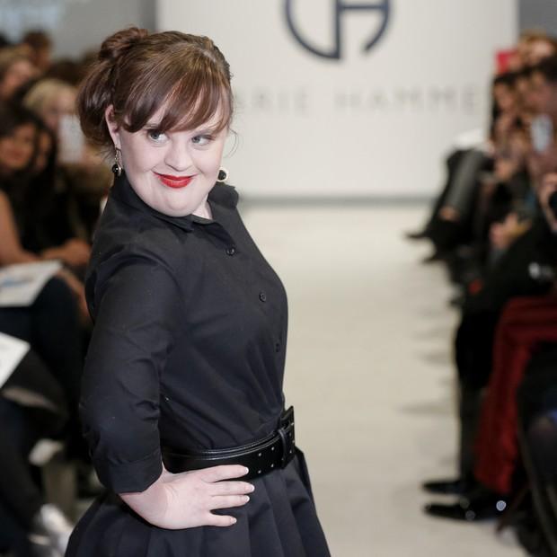 Jamie Brewer, primeira modelo com síndrome de Down a desfilar na semana de moda de NY.