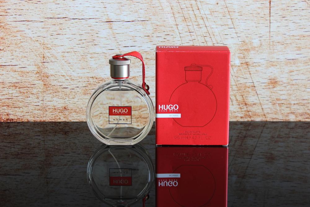 Embalagem antiga do Hugo Boss Woman - Foto por Bruno França