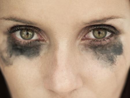 Olho com resto de maquiagem - o famoso olho de panda!