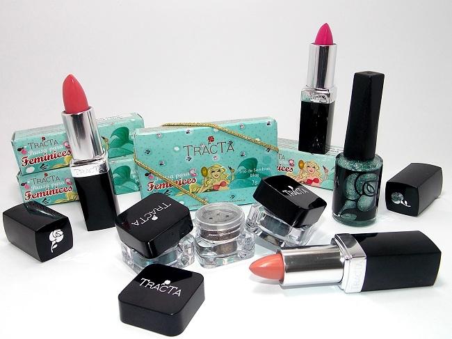 Alguns dos primeiros produtos da coleção Pausa para Feminices.