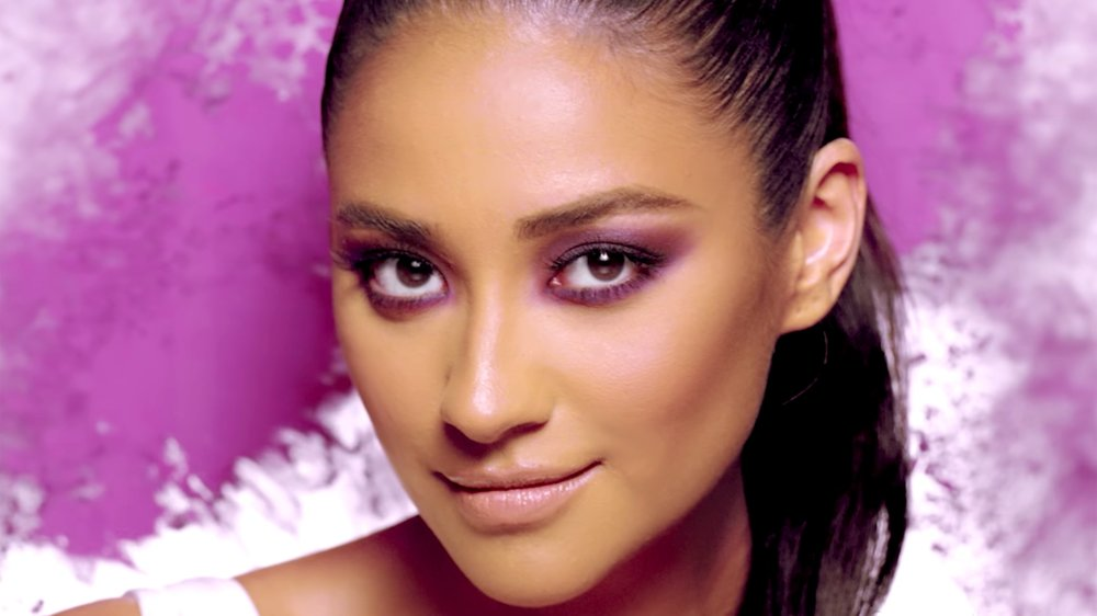 smashbox-shay-mitchell.jpg
