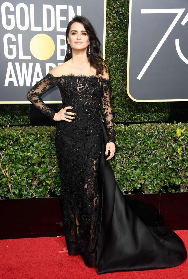 Penelope-Cruz_-2018-Golden-Globe-Awards--06-662x981.jpg