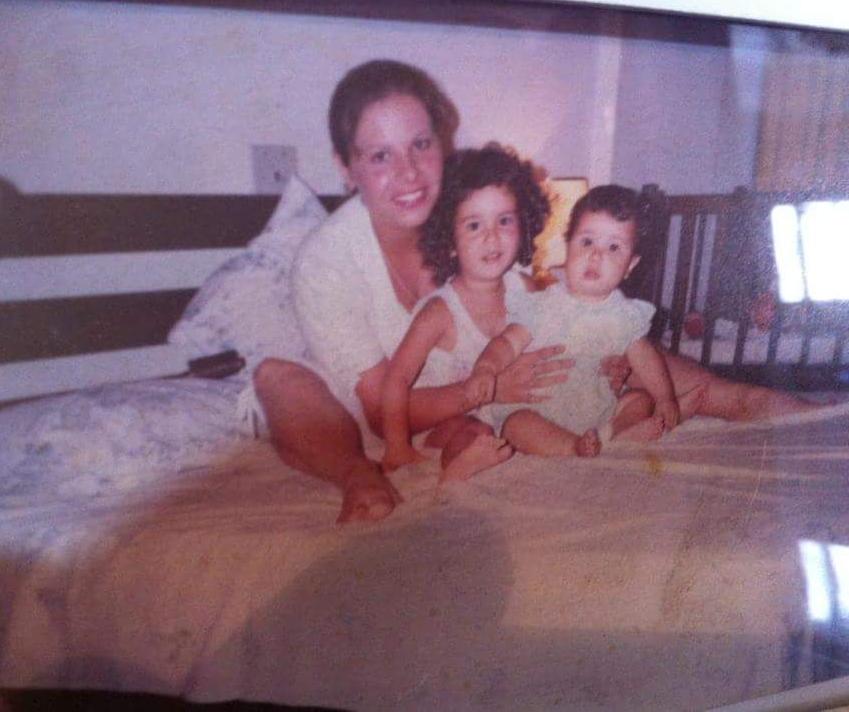 Mamãe, Naty e eu com a maior bochecha do mundo!