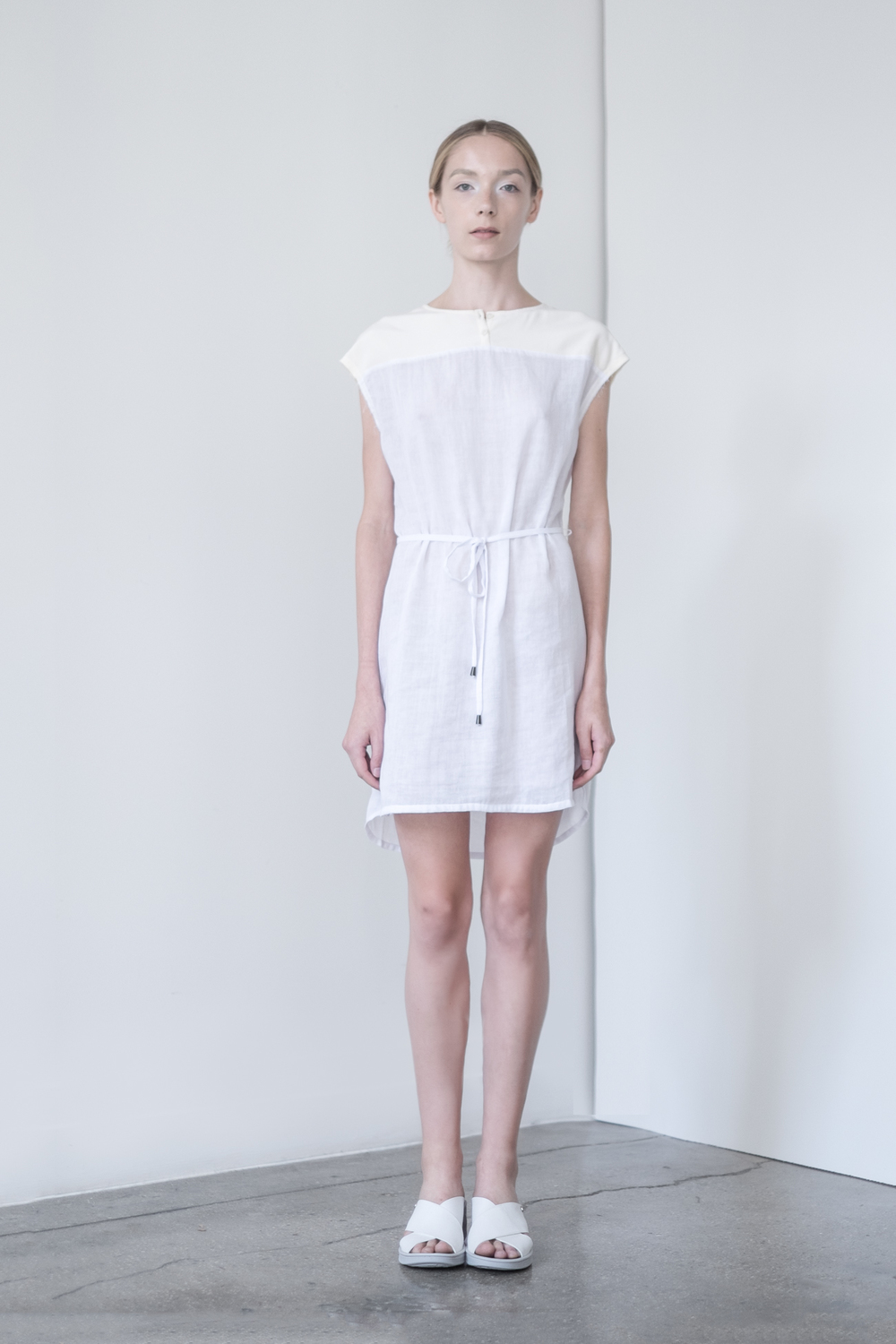 LOOK 10   TOP:   2261  / Blanc Combo  -     Cap sleeve dress with tie, in crinkle woven 2-layer cotton gauze.
