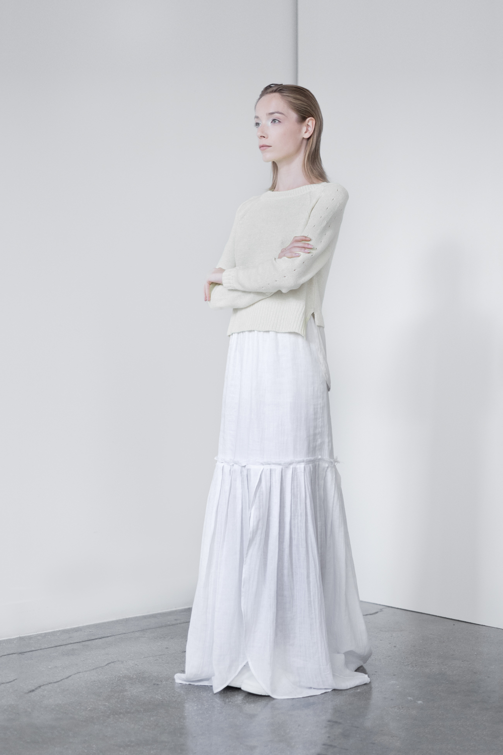 LOOK 9   TOP: 2260 / Bone  - Crew neck pullover with Silk crepe de chine shirt tail.   BOTTOM: 2291 / Blanc - Long maxi skirt also can be worn as strapless dress, in crinkle woven 2-layer cotton gauze.