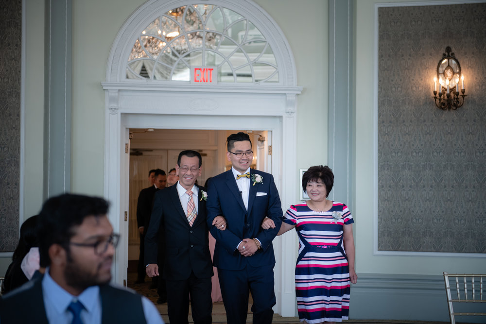 Selina_Chris_Wedding_Sneak_Peek_035.jpg