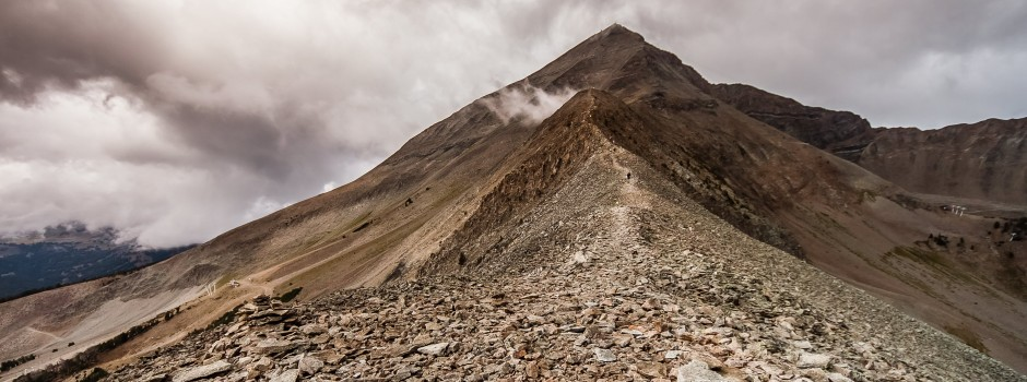 The final ridgeline ascent of Lone Peak in The Rut Vertical K race.
