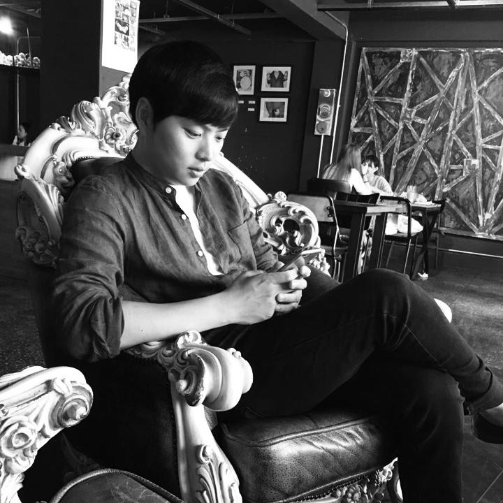 Jang, Ji Woong    Senior Designer   jjwoong@   bluepost.org