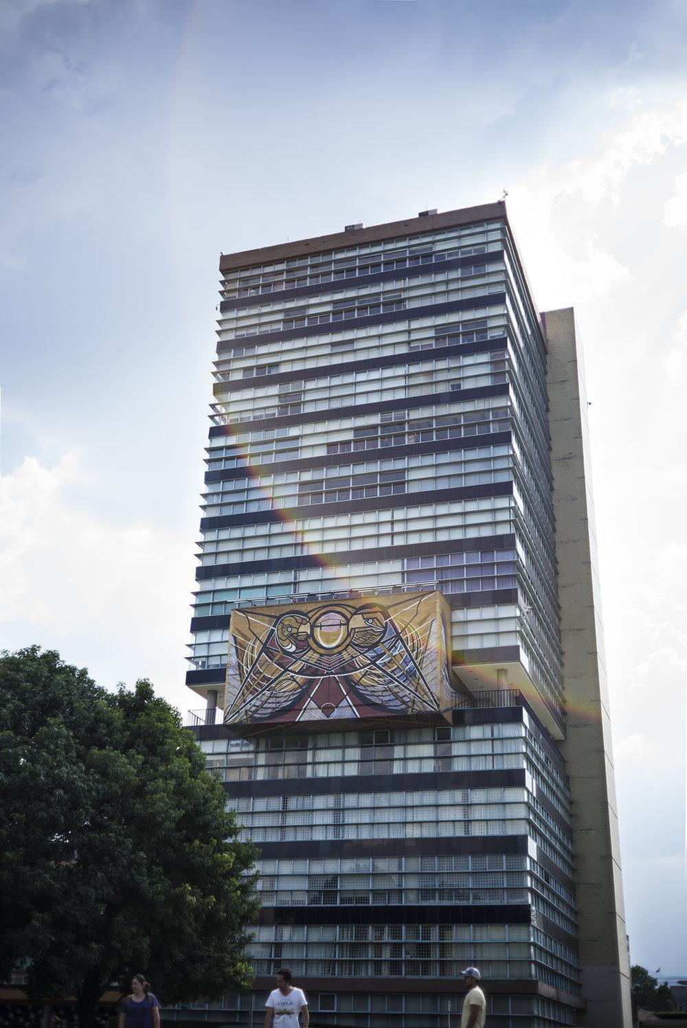 L1005087 UNAM_mexico_b.jpg
