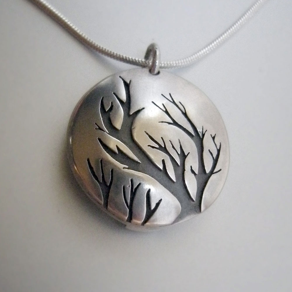 tree_locket_1.jpg