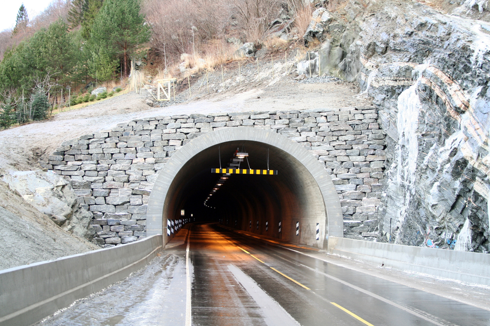 Tunnel, Fatlaberget