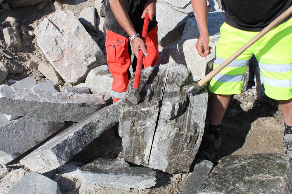 Kløyving av stein