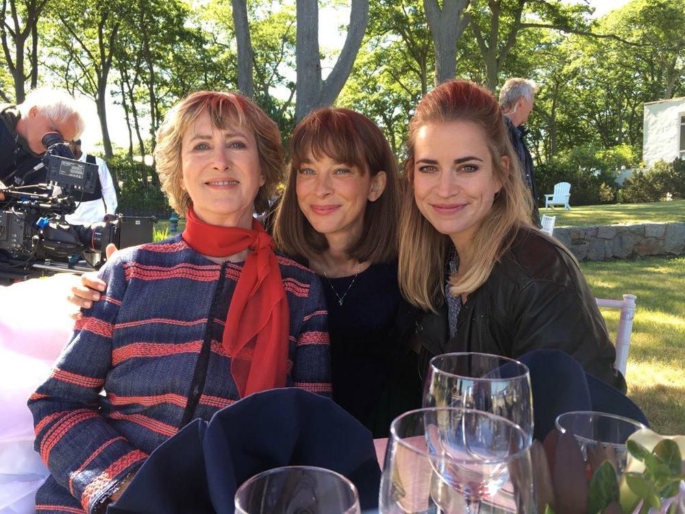 Von Links: Beatrice Richter, Catherine Bode und Merle als Familiengespann.  ©  www.merlecollet.de
