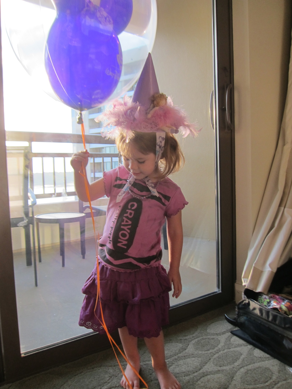 Eva picked a purple balloon, but we had to wait until the morning to photograph it!