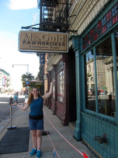 I was finally able to find Mr. Gold's shop from OUaT before it was too late!