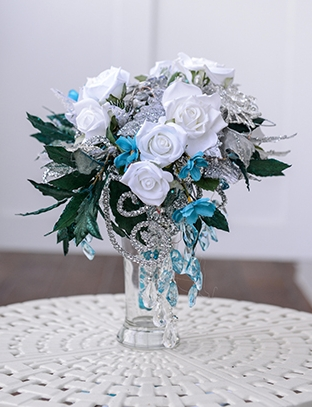 Ridiculously fancy bouquet? Definitely!