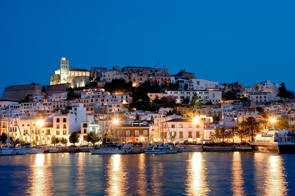 Ibiza by night.jpg