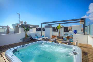 Ibiza Royal Beach Jacuzzi  - From €2,800 to €4,200 per week