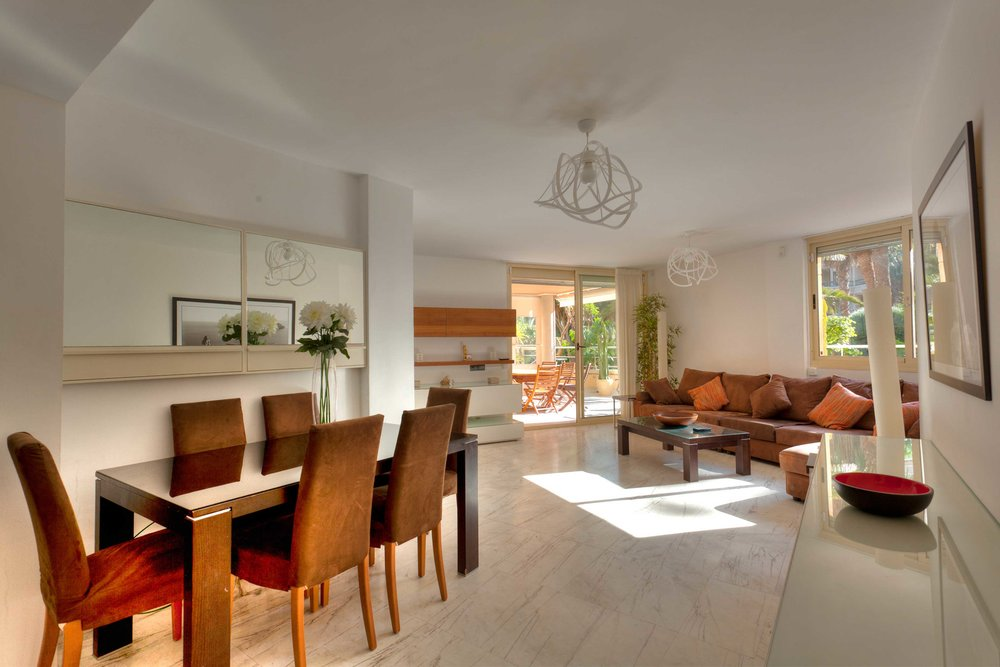 Bossa Beach 4-PB-1 - 4 bedrooms • 2 bathrooms • €2,500 per month. Please click here for more details.