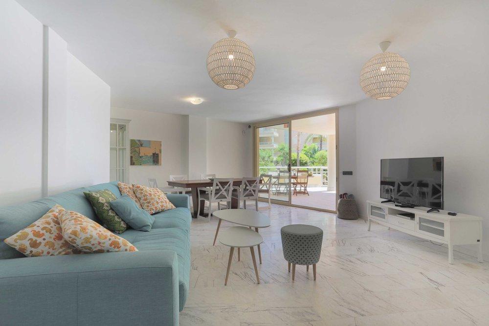 Bossa Beach Amapola - €22,500 for May to October3 bedroom, 2 bathroom Playa d'en Bossa apartment with partial sea views