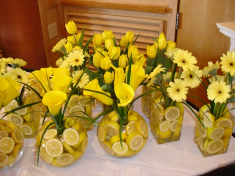 lemon-centerpieces-in-yellow[1].jpg