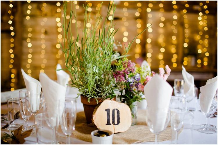 LJ Norman Court Barn wedding15.jpg