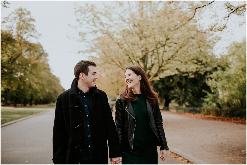 london victoria park engagement9.jpg