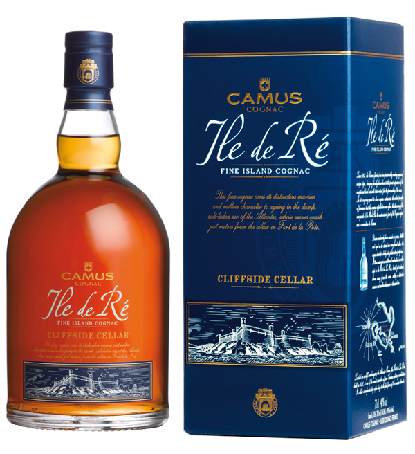 Produced in limited quantities, Ile de Ré Cliffside Cellar enjoys a double aging on the island. Its first aging takes place in barrels with light tannins and the second is within the Fort de La Prée, a historic monument constructed in 1626 overlooking the ocean. Bathed in the spray of the Atlantic Ocean whose waves reach within meters of the cellar, the aging location of Ile de Ré Cliffside Cellar gives the Cognac an exceptionally round and decidedly oceanic character. Equally enjoyable as an aperitif or post-meal drink, straight or with a few drops of mineral water. To enjoy the full range of aromas that this cognac has to offer, we recommend chilling it and then tasting it continuously as its temperature rises.