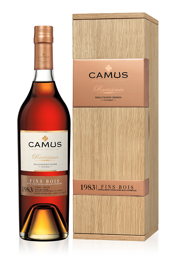 1983 was a challenging year for many producers in the Charente, with heavy hailstorms causing damage in the spring followed by a very warm summer. Distilled the 120th anniversary year of the House of CAMUS, this 1983 Fins Bois Cognac blends rich fruit with spicy aromas and a hint of vanilla, to create an overall sensation of profound harmony. The hints of nutmeg and other spices are a sure sign of maturity, while the vine flower aromas add a touch of finesse and the candied citrus fruit aromas ensure that the 1983 still retains a vibrant freshness.