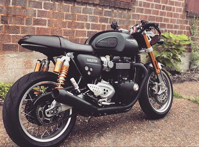 I'm really missing this beautiful beast on a day like today #triumph #thruxton1200 #bikelife #adrenaline
