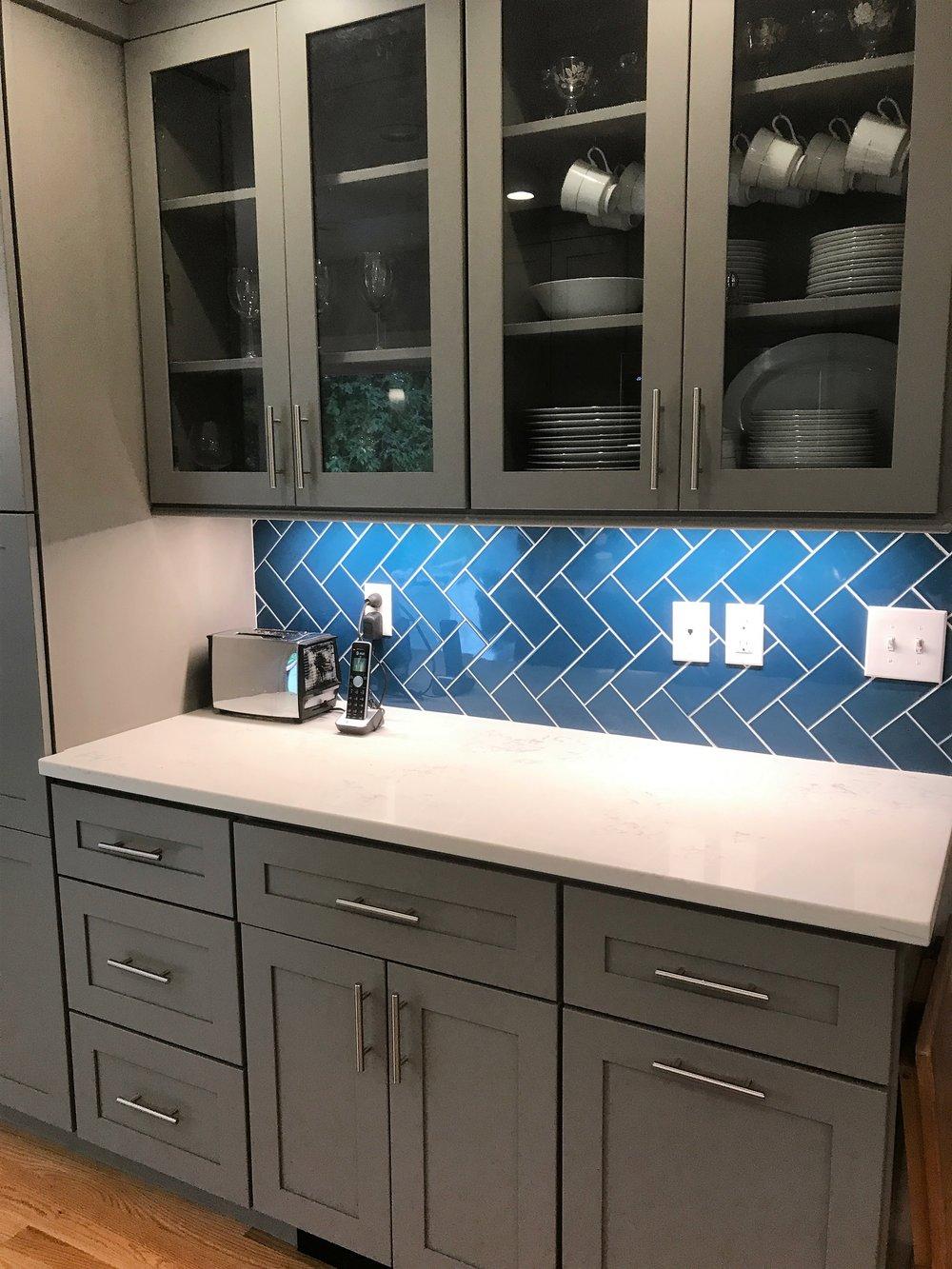 Kitchen008.jpg