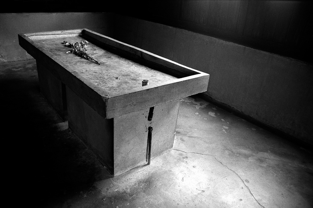 16-Dissection-Table-Majdanek-Poland.jpg