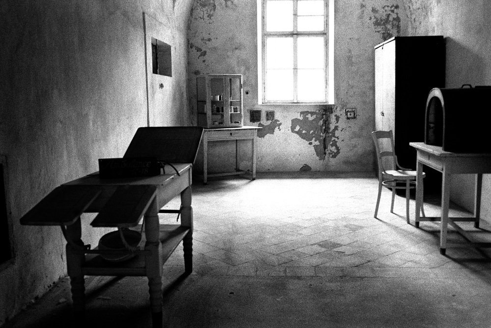 18-Hosp-Room-Theresienstadt-Czech.jpg