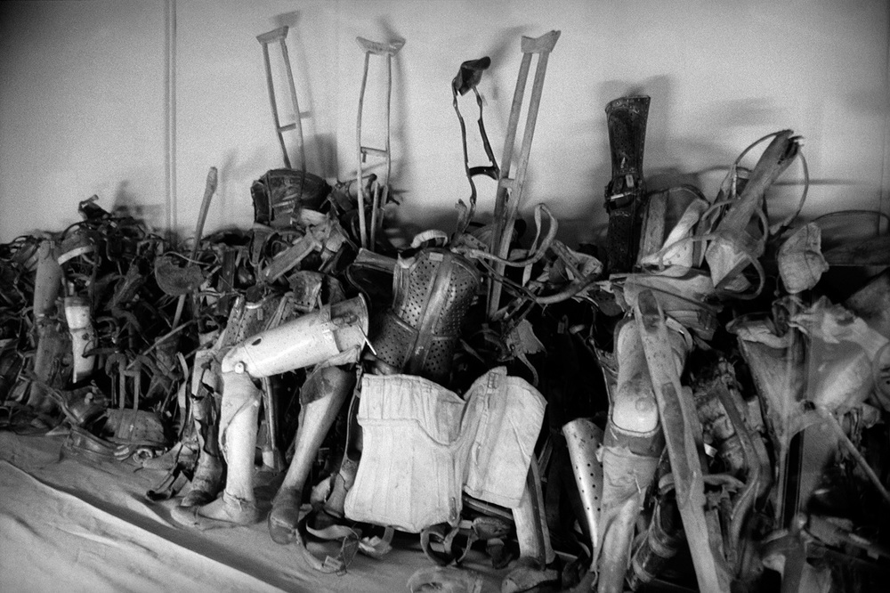 22-Crutches-and-Prosthesis-Auschwitz.jpg