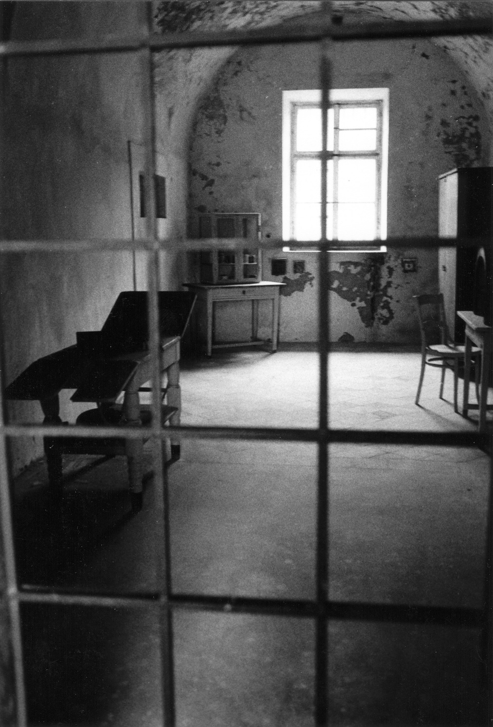 Medical-Room-Theresienstadt-Concent.Camp.jpg